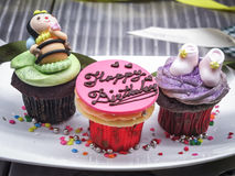 Geburtstags-Schalen-Kuchen Stockfoto