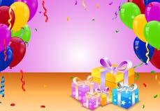 Geburtstagsballon und Überraschungskasten Stockbild