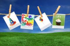 Geburtstagsfeier-in Verbindung stehende Abbildungen auf polaroidfilm B Lizenzfreies Stockfoto
