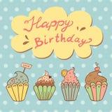 Geburtstagsgrußkarte mit süßen kleinen Kuchen Stockbild