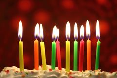 Geburtstagskerzen schließen oben Lizenzfreies Stockbild