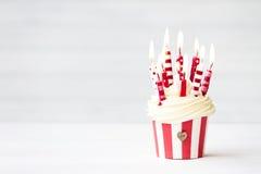 Geburtstagskleiner kuchen Lizenzfreies Stockfoto