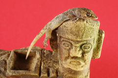 Gecko Lizard and Mayan Statue Royalty Free Stock Photography