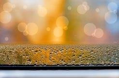 Gecondenseerd water op het venster stock fotografie