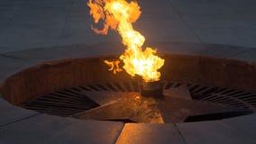 Gedächtnis Soldaten am 9. Mai des Siegtages Ewige Flamme, ewiges Feuer, ewiges Licht stockfotografie