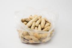 Gedämpfte Erdnüsse knackten Oberteil, thailändischen lokalen Snack Lizenzfreies Stockbild