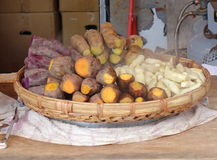 Gedämpfte Jamswurzeln und Süßkartoffeln Lizenzfreies Stockbild