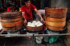 Gedämpfter Brötchenlebensmittelstall in Chinatown, Kuala Lumpur, Malaysia stockfotografie