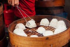 Gedämpfter Brötchenlebensmittelstall in Chinatown, Kuala Lumpur, Malaysia lizenzfreies stockfoto