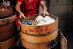 Gedämpfter Brötchenlebensmittelstall in Chinatown, Kuala Lumpur, Malaysia stockfotos