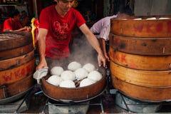 Gedämpfter Brötchenlebensmittelstall in Chinatown, Kuala Lumpur, Malaysia lizenzfreie stockfotografie
