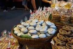 Gedämpfter Pandanus-Kuchen im Markt Bangkok Thailand Stockfoto
