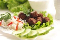 Gedünstete Fleischklöschen mit Reis Lizenzfreies Stockfoto