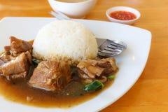 Gedünsteter Schweinefleisch-Reis Stockfoto