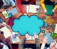 Gedanken-Blasen-denkendes Ideen-Fantasie-Konzept Lizenzfreie Stockfotografie