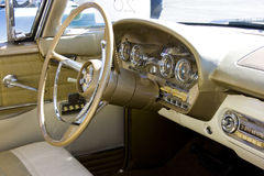 Gedankenstrich 1958 Ford-Edsel u. Lenkrad Stockfotografie