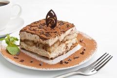 Gedeelte van Italiaans Tiramisu-Dessert royalty-vrije stock fotografie