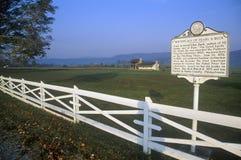 Gedenkender Geburtsort der Straßenrandplakette von Pearl S Autor Sträuben Sie sich, die die gute Erde schrieb, Weg 219, WV Lizenzfreie Stockfotografie