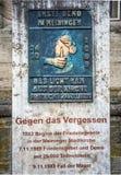 Gedenktafel zu den Friedensgebeten für die Wiedervereinigung in Meiningen Deutschland lizenzfreies stockfoto