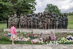 Gedenkteken aan de Kinderenslachtoffers van de Oorlog, Lidice - Tsjechische repu Stock Foto's