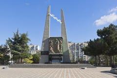 Gedenkteken aan de slachtoffers van de deportatie van de volkeren van de Krim in de stad van Evpatoria stock foto's
