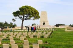 Gedenkteken met namen in Anzac Turkey stock foto's