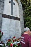 Gedenkteken op de plaats van luchtramp 4 Mei 1949 waar gestorven alle spelers van de voetbal t van Grande Turijn stock foto's