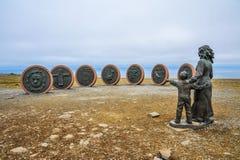 Gedenkteken van verdwenen vissers in Honningsvag, Noorwegen, het Noordenkaap, Northernmost van Europa stock fotografie