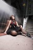 Gedeprimeerde jonge vrouw Stock Foto's