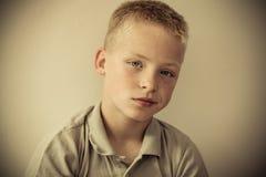 Gedeprimeerde jongen Stock Afbeelding