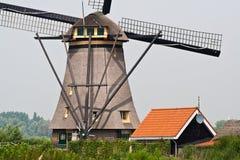 Gedetailleerd beeld van Nederlandse windmolen Stock Afbeeldingen