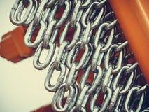 Gedetailleerde close-up, partij van zilveren kettingen royalty-vrije stock afbeelding
