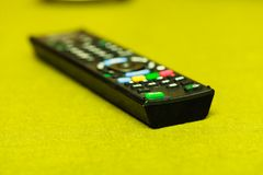 Gedetailleerde close-up van TV-afstandsbediening stock fotografie