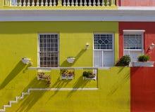 Gedetailleerde foto van huizen in het Maleisische Kwart, BO-Kaap, Cape Town, Zuid-Afrika Historisch gebied van helder geschilderd royalty-vrije stock foto