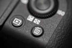 Gedetailleerde foto van zwart cameralichaam met knopen Stock Foto