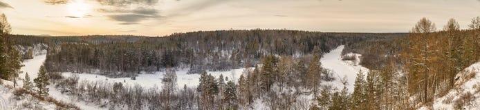 Gedetailleerde mening van een ijzige rivier. Stock Fotografie