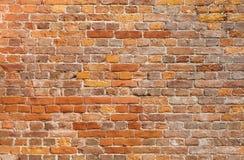 Gedetailleerde oude rode bakstenen muurtextuur als achtergrond Stock Foto