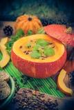 Gediente hohle Fruchtweinlese des Kürbises Suppe Stockbild