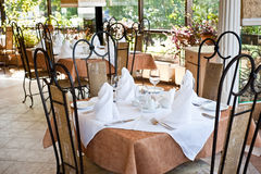 Gediente Tabelle in der Gaststätte Lizenzfreies Stockbild