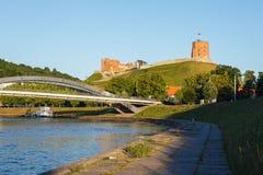 Gediminas小山和涅里斯河河 库存照片