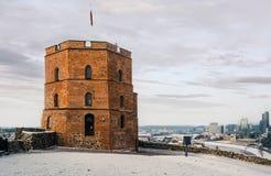 Gediminas` Toren in het Hogere Kasteel in Vilnius stock fotografie