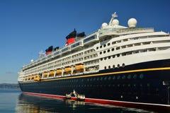 Gedokt cruiseschip Stock Foto's