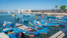 Gedokte boten in Bari, Apulia, zuidelijk Italië royalty-vrije stock foto's