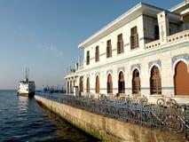 Gedokte veerboot op de haven van Istanboel Royalty-vrije Stock Afbeelding