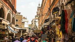 Gedränge- und Geschäftigkeitsstadt von Venedig Stockfotografie