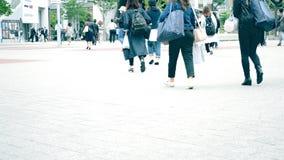 Gedränge und hastige Geschäftigkeit der Stadt Japan stock video