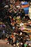 Gedrängte, beschäftigte Szene am Markt auf Viet Nam Tet (neues Mondjahr) Stockbild