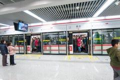 Gedrängte Untergrundbahn in Zhengzhou Stockfoto
