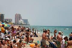 Gedrängter Strand in Fort Lauderdale, Florida Lizenzfreies Stockbild
