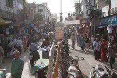 Gedrängtes Varanasi Stockfotos